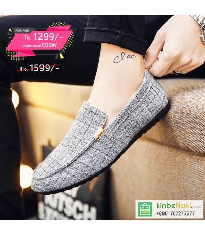 Men's Gray Check Shoe